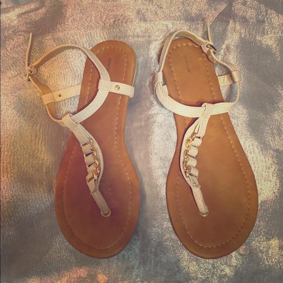 Avenue Shoes   Wide Width Sandals Worn